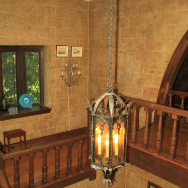 Foyer fixture